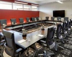 03_hotel_meetingsandevents_hotelconferenceroom
